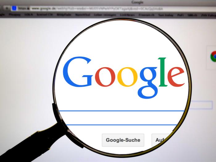 Google Ranking mit Lupe